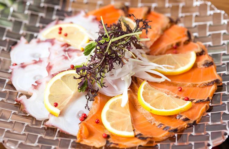 タコとサーモンの海鮮マリネ〜白ワインビネガーとレモンの香り〜